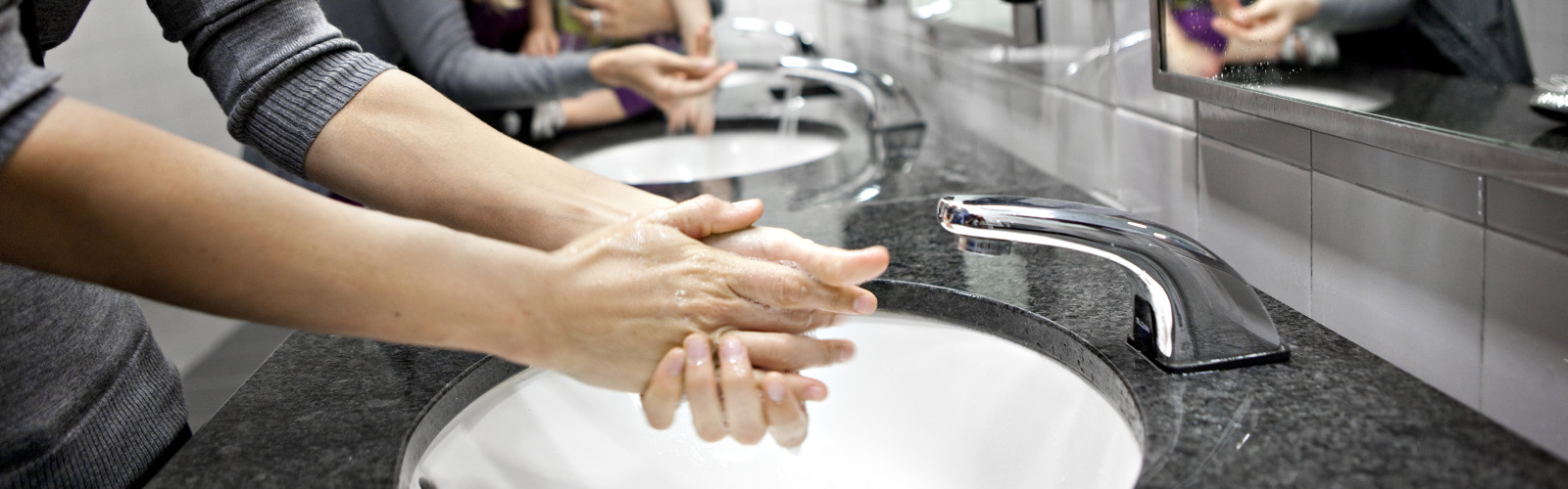Washing-hands_420701_orginal.jpg